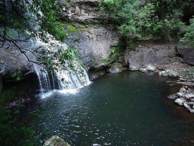 viagens-curtas-de-verao_8-cachoeiras_viajando-bem-e-barato-1