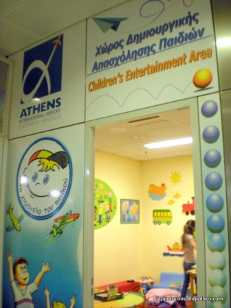 área kids do aeroporto de Atenas