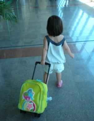 Clara viajante 2 anos