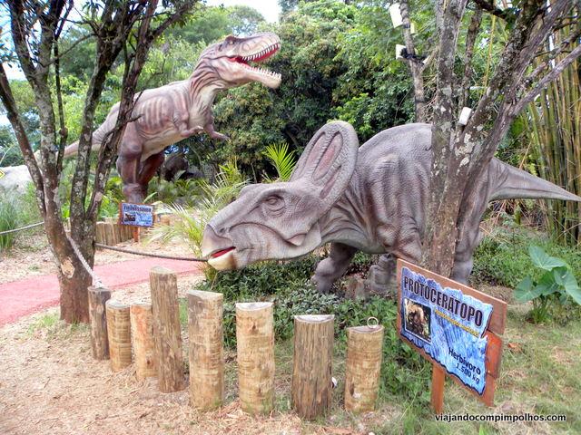Vale-dos-dinossauros-foz-do-iguacu