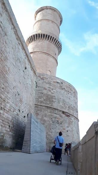 Foto de la Torre del Fanal en el Fuerte Saint Jean