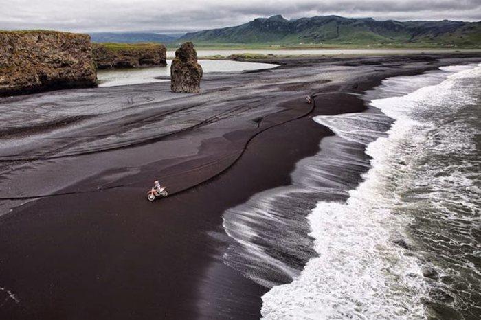 La playa de arena negra Islandia