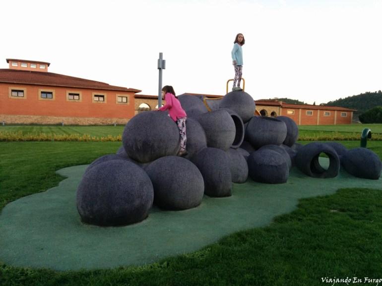 Parque infantil en Vivanco