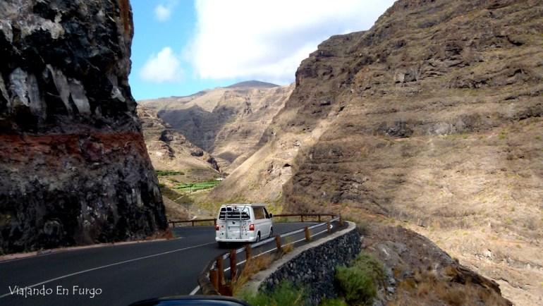 La Cali, de nuestros amigos Un mundo para 3, en La Gomera