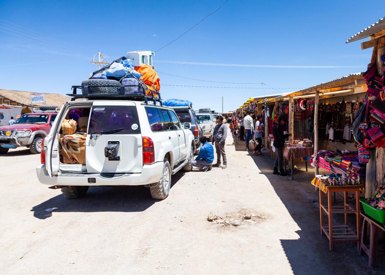 Salar de Uyuni: Feirinha de Colchani - é a última parada do tour pra quem começa no Atacama