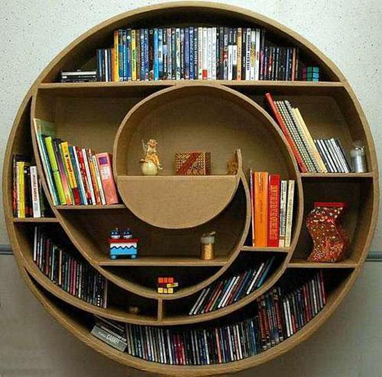 estante para livros diferentes