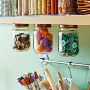 potes de vidro suspensos organizaçao atelie cantinho craft