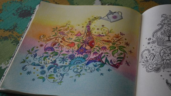 Jardim Secreto Livro de Colorir Regador