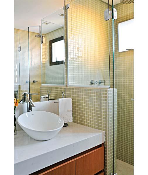 banheiros clean cores claras pastilhas