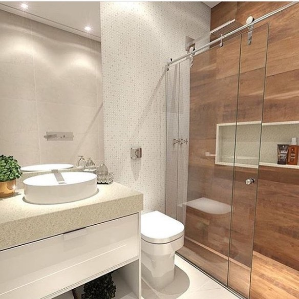 banheiros decorados porcelanato imita madeira area do boxe
