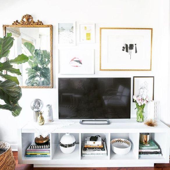 composicao quadros espelho tv parede rack
