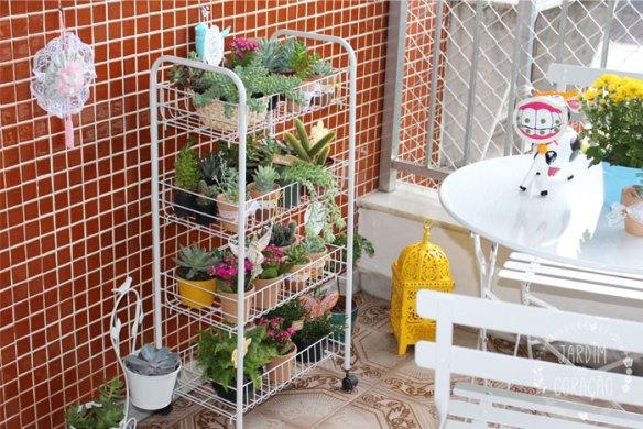 fruteira jardim vertical suculentas varanda