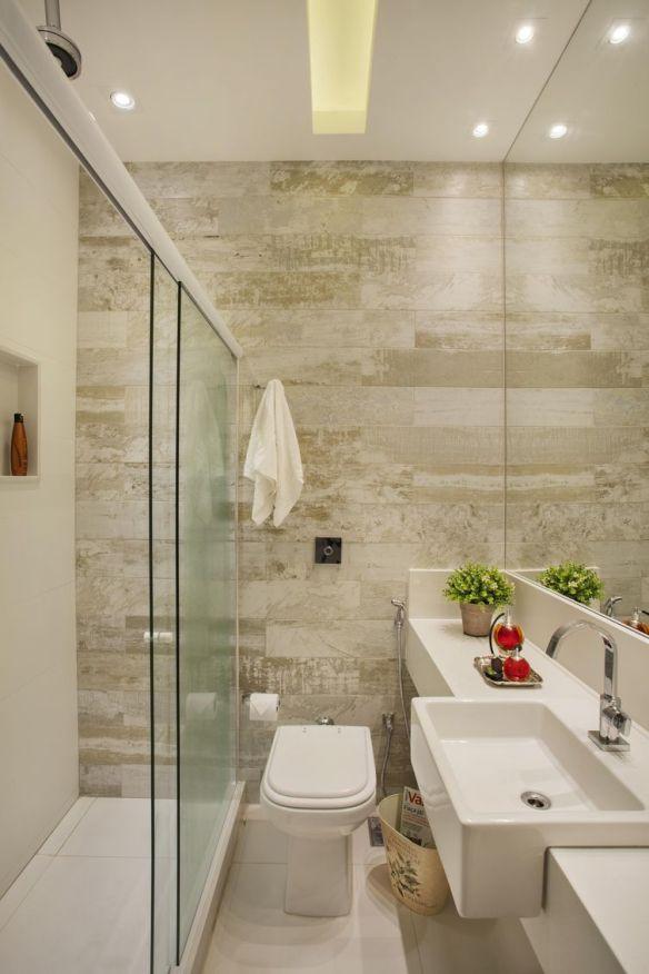 porcelanato imita madeira banheiro tom claro