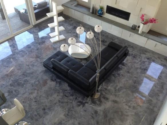 Porcelanato líquido com efeito marmorizado.