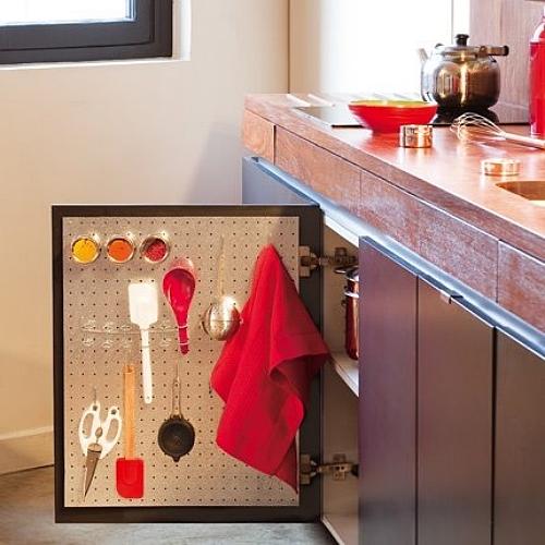 organizacao cozinha aproveitamento espaço atras da porta armario