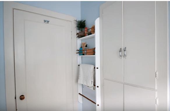 prateleiras armario estreito atras da porta faca voce mesmo diy ideias pequenos espacos