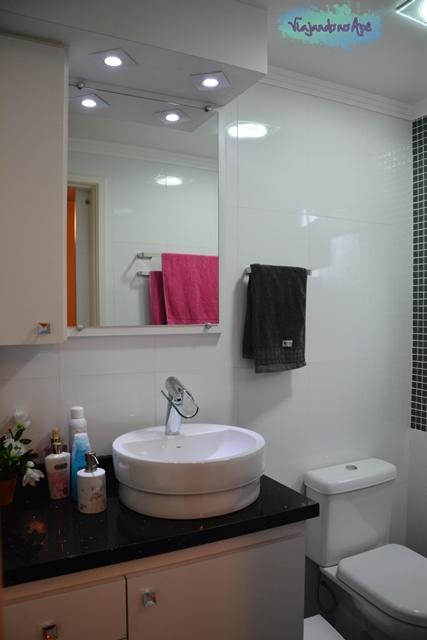 banheiro_suite_bancada_Quartz Stone_cuba_Deca_torneira_Lorenfall