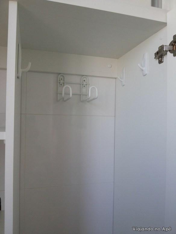 ganchos suportes armario lavanderia area de serviço