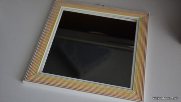moldura espelho decorada com linha de croche