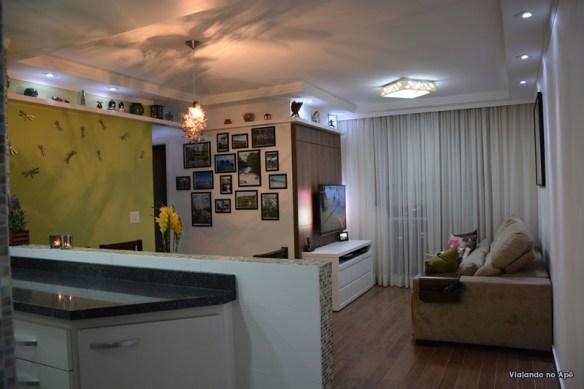 sala com cortineiro cortina voil