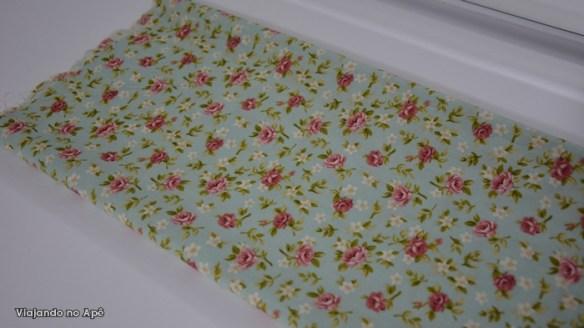 tecido floral penteadeira