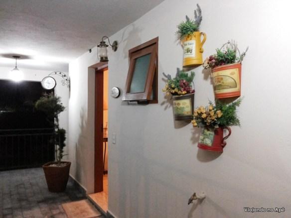 decoraçao regadores vasos parede