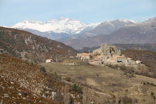 Adons, Pirineo Catalán