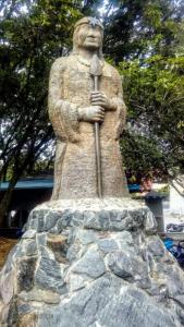 Cacique Niquía senderismo en Medellín Colombia viajando por un sueño
