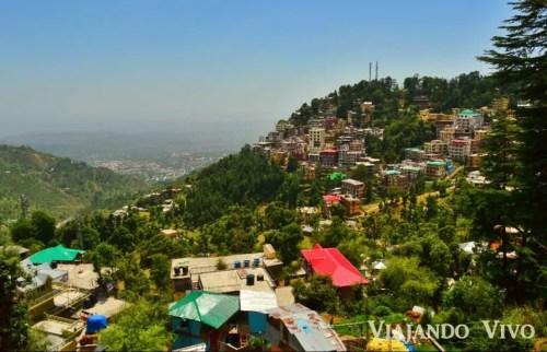 La ciudad de Dharamsala en el norte de India