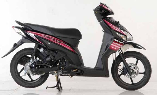 alquilar moto vario 110 en Bali