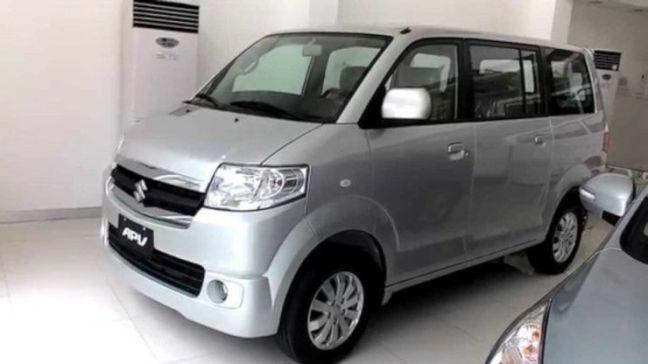 alquiler coche grande Bali APV
