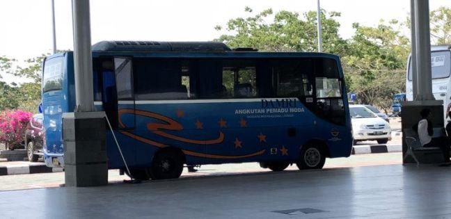 Bus Damri Aeropuerto de Lombok