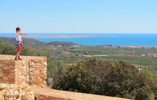 Desde la Moleta del Remei se observa el Mediterráneo