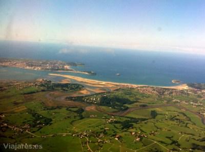 El arenal que forma las playas de Loredo, Somos y El Puntal