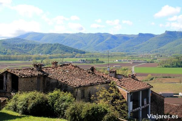 En la Vall d'en Bas puedes disfrutar de un lindísimo paisaje rural
