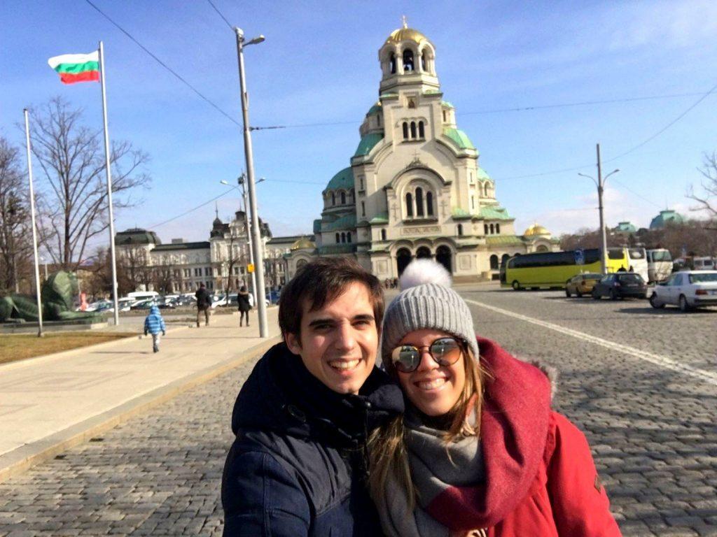 Frente a la Catedral de Alejandro Nevski en Sofía