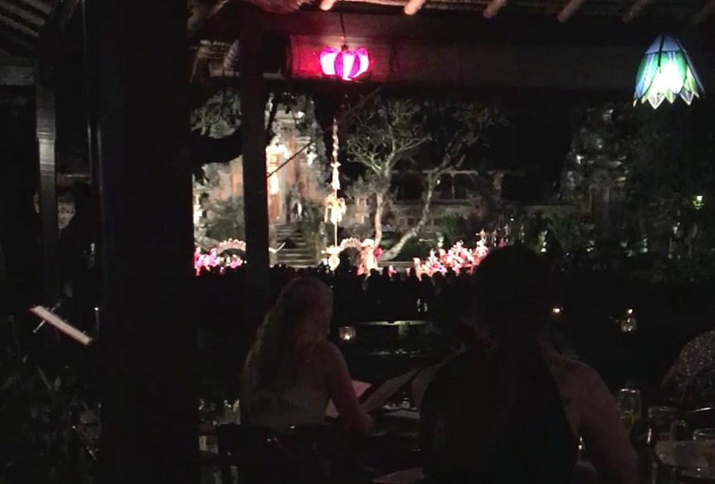 Cena con espectáculo balinés en el Cafe Lotus de Ubud