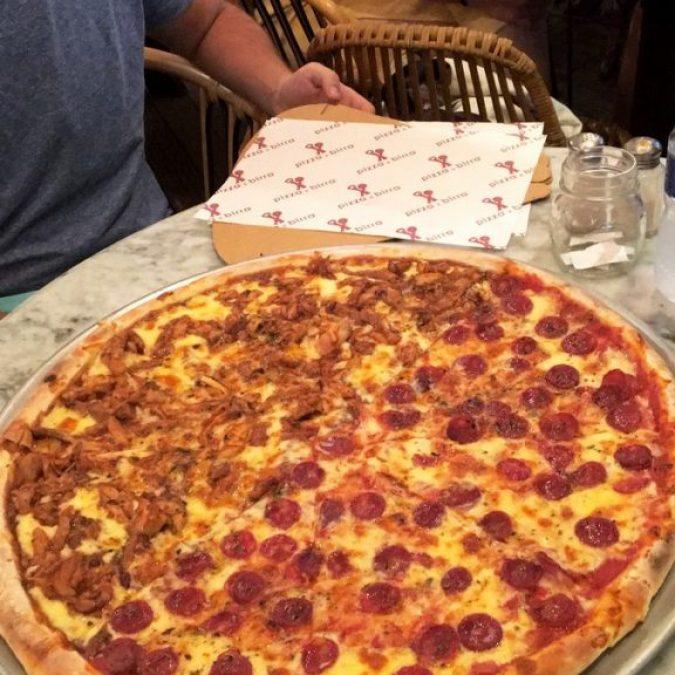 Pizza riquísima en el Pizza e Birra de Kuta