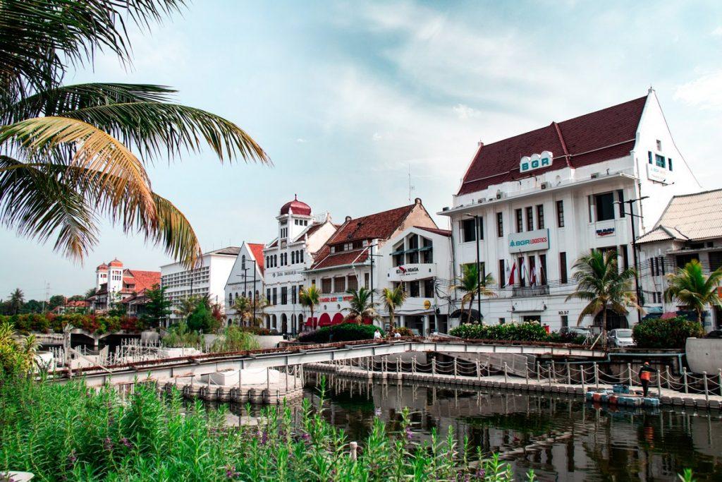 Los edificios coloniales del barrio de Kota Tua