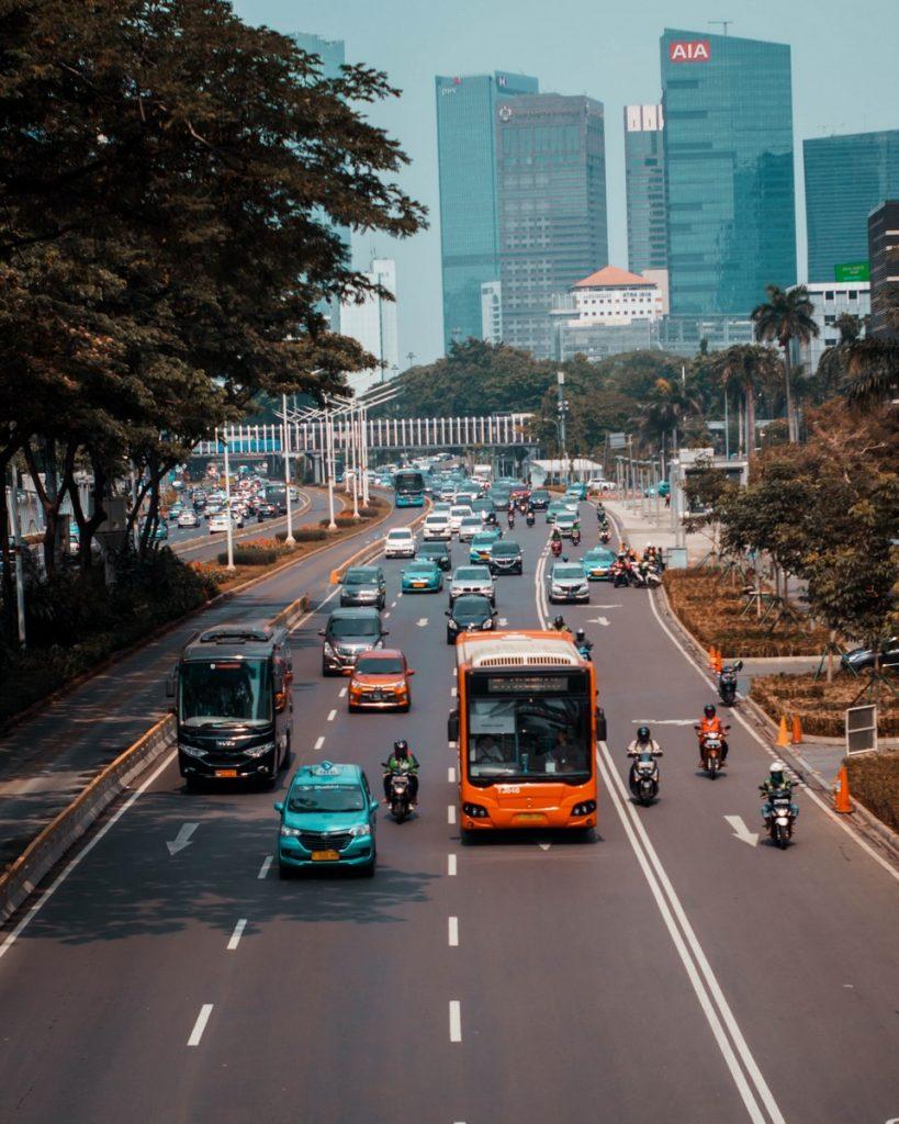 El tráfico en la ciudad de Yakarta