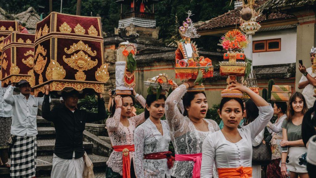 Ceremonia balinesa en nuestro viaje a Bali por zonas