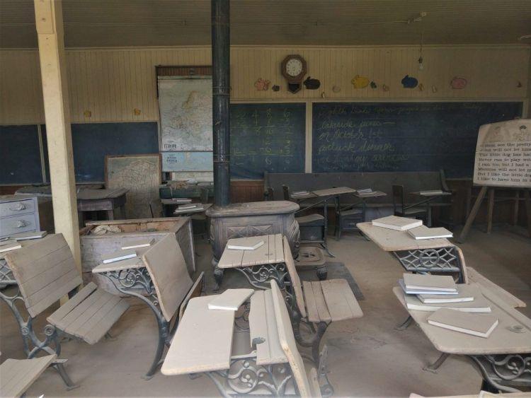 Interior de la escuela de Bodie