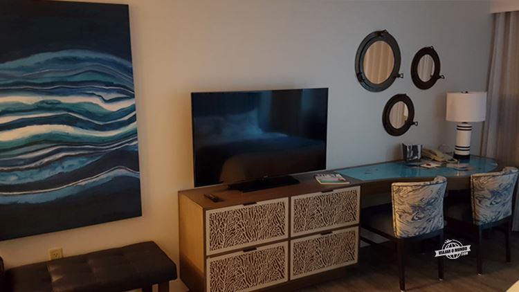 TV do quarto do Hollywood Beach Marriot. Blog Viajar o Mundo