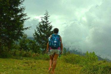 Caminando sola por el mundo.
