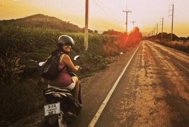 Paseando en moto Tailandia