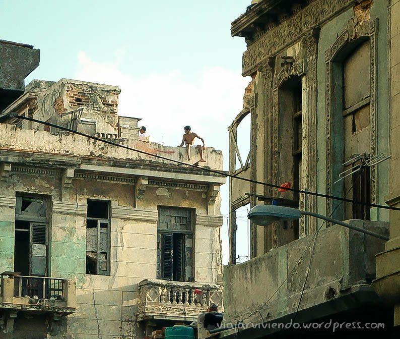 casas en centro habana, cuba