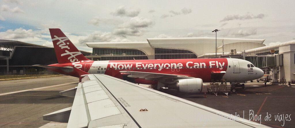 aeropuerto avion air asia