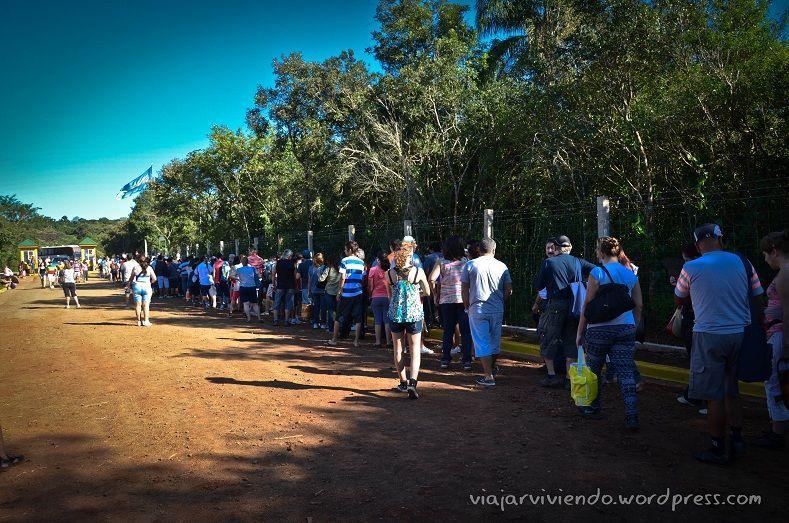 fila fin de semana largo en Cataratas