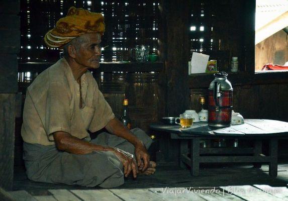 hombre en Myanmar