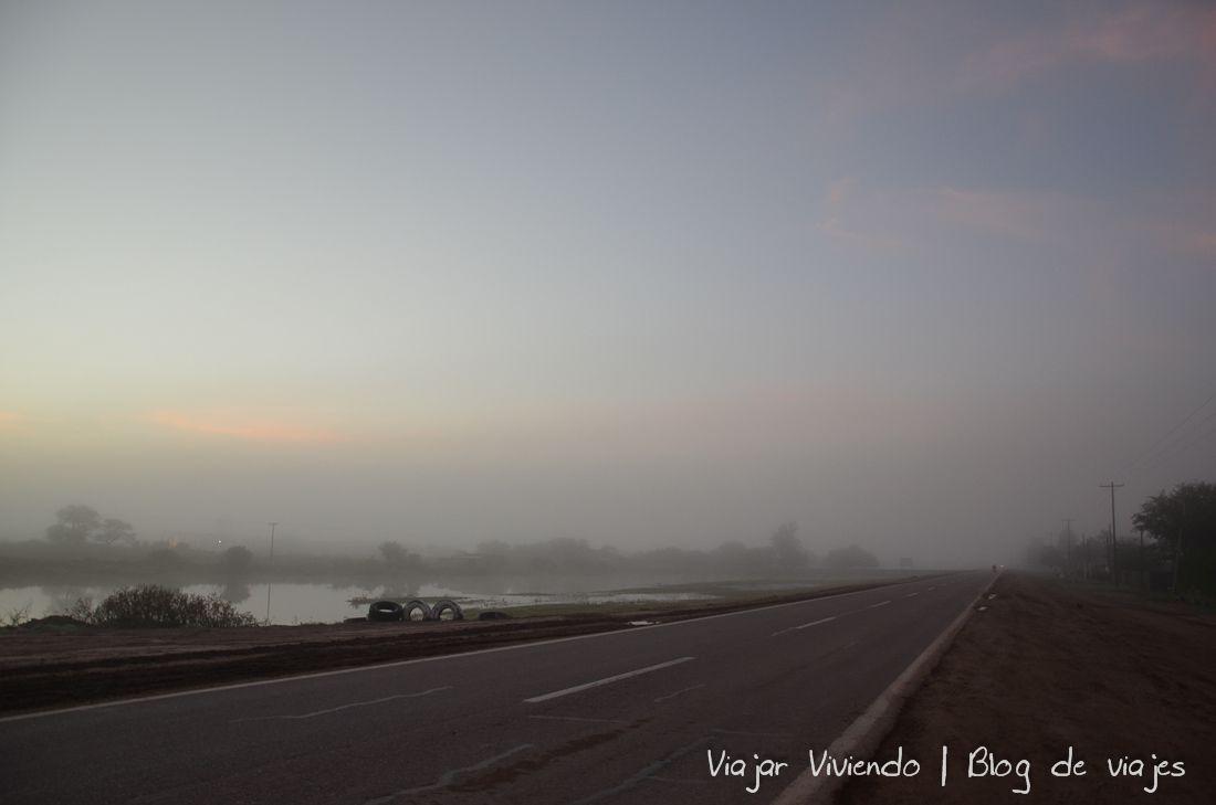 camino al noroeste argentino - Niebla Ruta Santiago del Estero